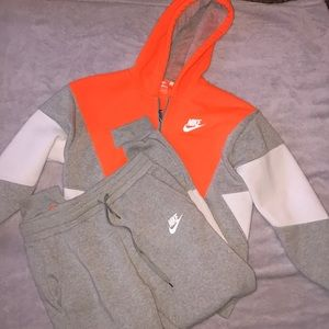 Multicolored Nike jogging suit